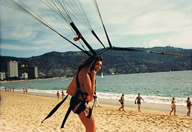 Parasailing in Acapulco