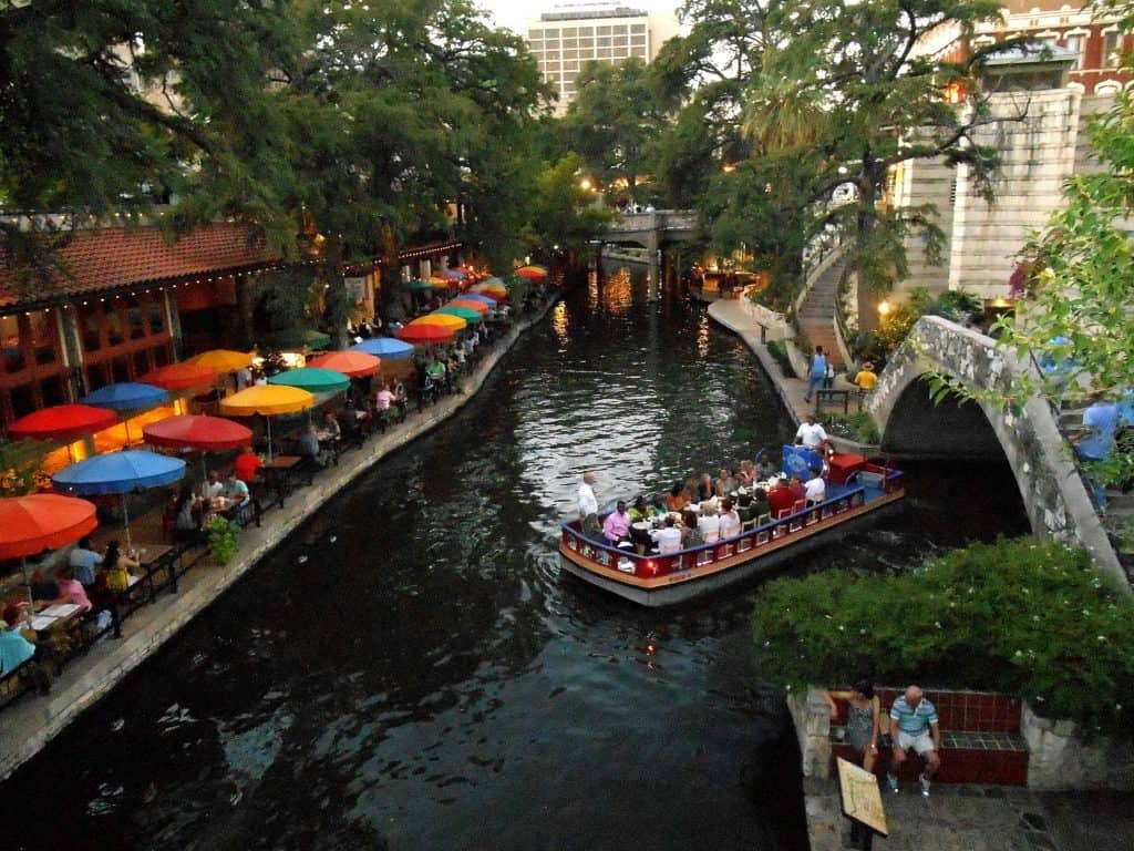 Gondola boats curise the Riverwalk in San Antonio_TX