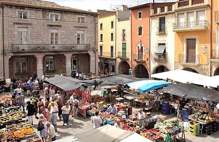 l'estartit-market_patti-morrow_luggageandlipstick.com