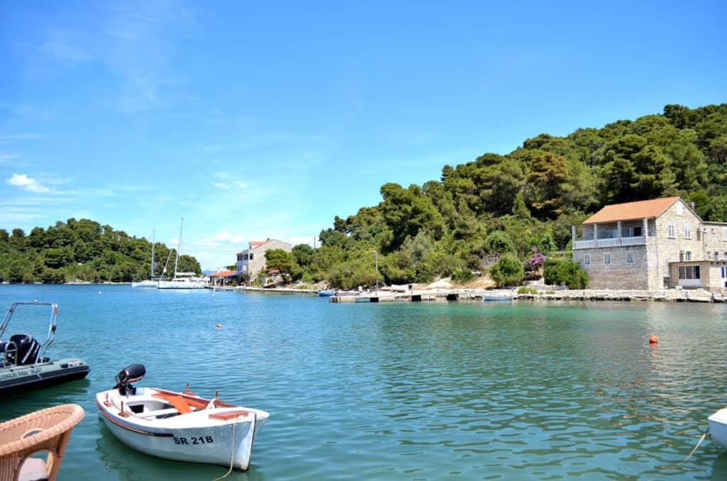 island hopping croatia