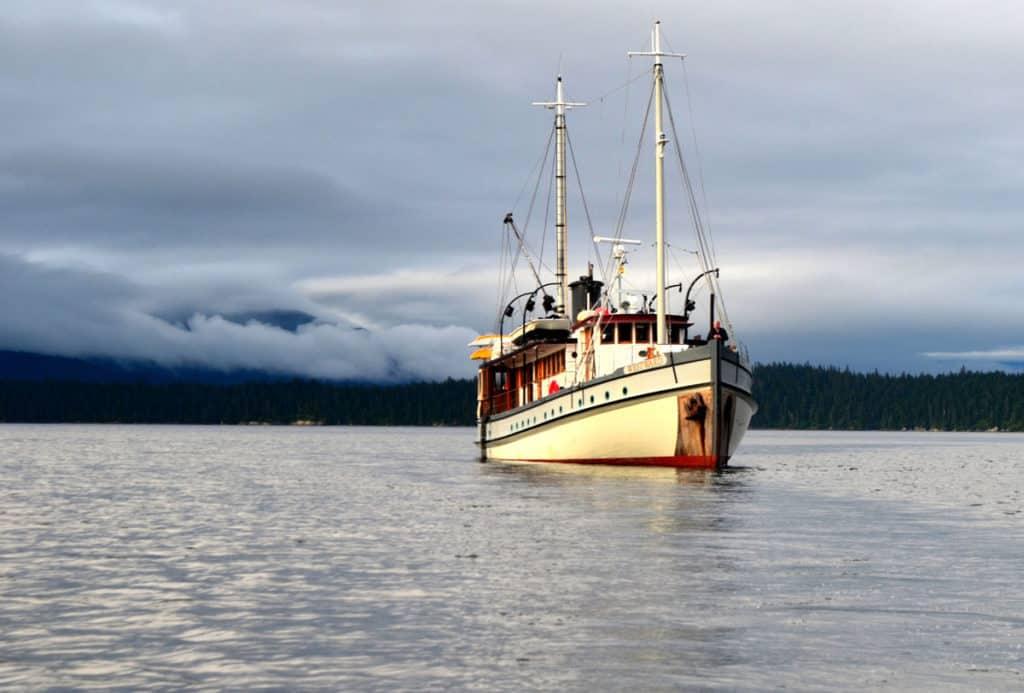 small ship alaska cruises