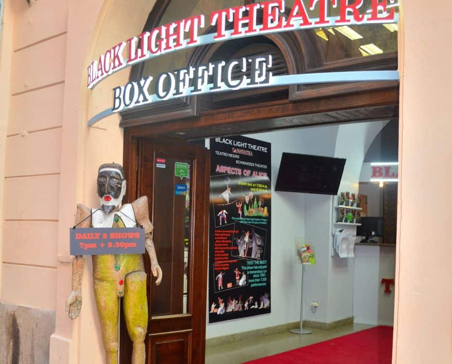 prague black light theater