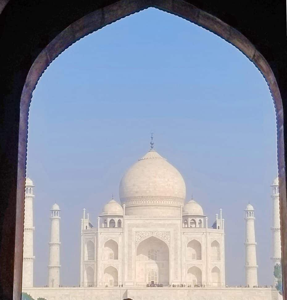 http://www.justluxe.com/community/taj-mahal-indias-most-luxurious-love-letter_a_1967377.php